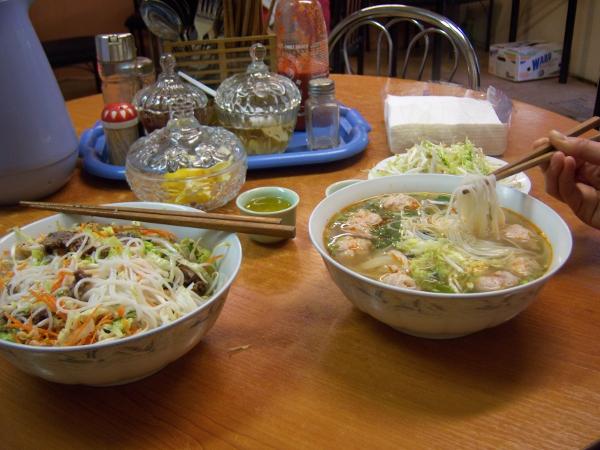 Thức ăn Việt tại châu Âu