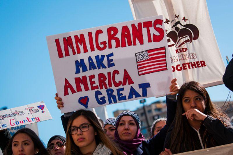 Biểu tình phản đối luật di trú Mỹ mới