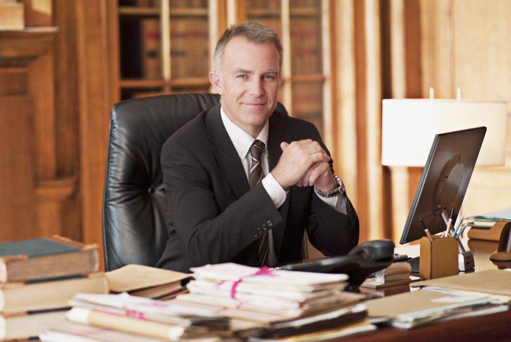 chọn luật sư ở Síp