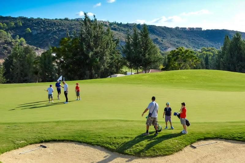 sân golf ở đảo Síp