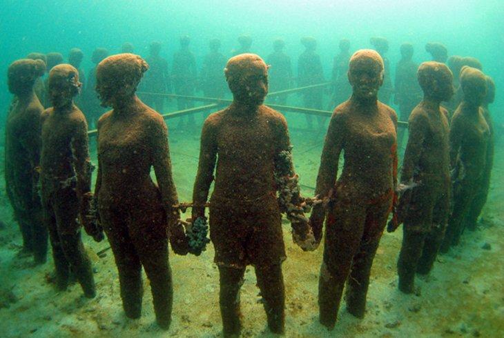 quần thể điêu khắc dưới nước