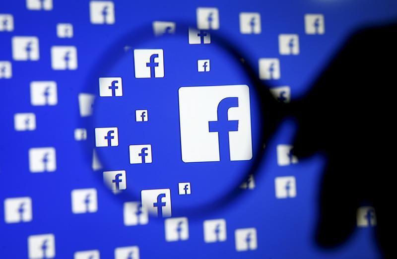 facebook thu thập dữ liệu người nhập cư Mỹ